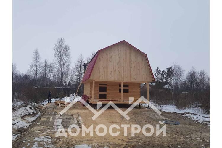 Дом из зимнего леса.