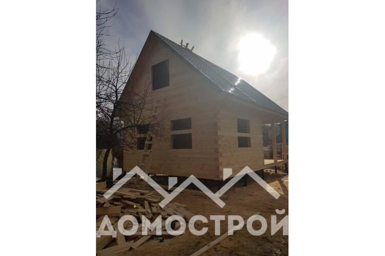 Дом 6х8 из бруса на винтовых сваях с угловой террасой 1.5х4 построили за 1 неделю.