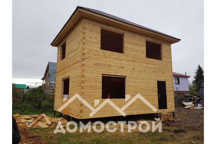 Закончили строительство 2-х этажного дома из бруса.