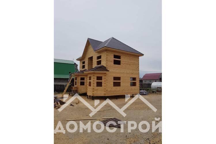 7.Закончили строительство 2-х этажного дома из строганного бруса с эркерами.